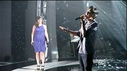 Kelly Clarkson hit the 'Duets' stage in style, wearing a sporty cobalt dress with flattering ruching.