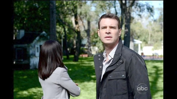 Scott Foley Clothes