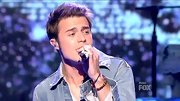 Kris Allen's brown beaded bracelets matched the earthy vibe of his denim jacket.