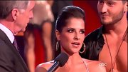 Kelly Monaco's smooth pompadour was perfect for displaying glitzy hoop earrings.