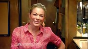LeAnn Rimes looked like the girl next door in a petal print blouse and messy ponytail on 'The Voice.'