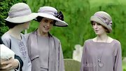 As Lady Edith on 'Downton Abbey,' Laura Carmichael looked stylish in a '20s-style cloche.