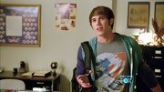 Blake Jenner stuck to a casual look on 'Glee' when he sported this wave t-shirt.