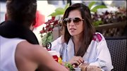 Kelly Monaco added instant glamour to her low-key look with a pair of oversize aviators.