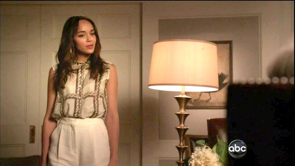 More Pics of Ashley Madekwe Button Down Shirt (3 of 3) - Ashley Madekwe Lookbook - StyleBistro